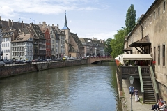 Ancienne douane - Deutsch: Straßburg: Häuserreihe am Quai Saint-Nicolas.