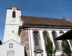 Eglise protestante Sainte-Aurélie - Français:   Clocher et hautes fenêtres de l\'église Sainte-Aurélie de Strasbourg.