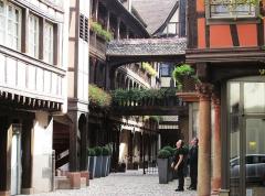 Cour du Corbeau ou Hôtel dit du Corbeau -  Strasbourg, Krutenau, Rue des Couples (Kuppelhofgass)