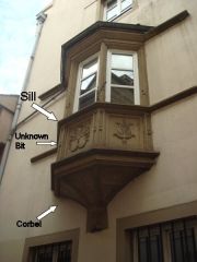 Ancien Hôtel de Furstemberg - English: Annotated picture of a window for Reference Desk question  Other information  Temporary upload for Reference Desk question