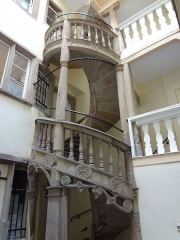 Maison - English: Renaissance staircase in the courtyard of a house built in 1579. Strasbourg, France