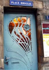 Immeuble - Français:   Petite porte style Art Nouveau du 1, Place Broglie à Strasbourg