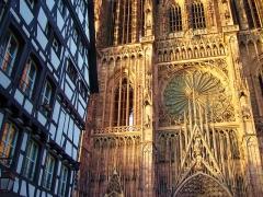 Immeubles -  La facade de la cathédrale de Strasbourg