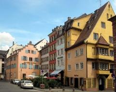 Maison -  Medieval houses in rue de la Râpe in Strasbourg, France