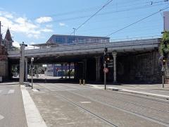 Poste d'aiguillage S.N.C.F. - Français:   Alsace, Bas-Rhin, Strasbourg-Meinau, Pont «Suchard» (XIXe-1994), avenue de Colmar.