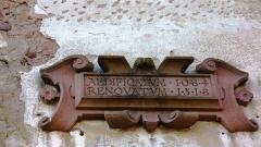 Château de Thanvillé -  Inscription en latin au-dessus du porche d\'entrée du château - \