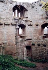 Ruines du château du Nouveau-Windstein - Deutsch: Burg Neuwindstein, Innere des Wohnturms