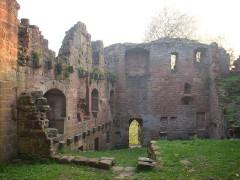 Ruines du château du Nouveau-Windstein - English: Nouveau-Windstein castle, Alsace