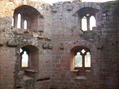 Ruines du château du Nouveau-Windstein - English: Nouveau-Windstein castle, (Alsace - France)