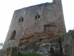 Ruines du château du Nouveau-Windstein - English: Château du Nouveau-Windstein