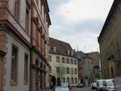 Maison - Français:   Rue des Augustins et tribunal d\'instance à Colmar (Haut-Rhin, France).