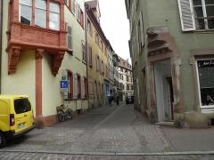 Maison - Français:   Rue Schongauer à Colmar (Haut-Rhin, France).