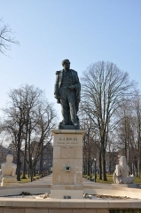 Statue de l'amiral Bruat -  A.J.Bruat Amiral de France (1796 - 1855); Place du Champs de Mars