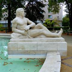 Statue de l'amiral Bruat -  Colmar, Fontaine Bruat
