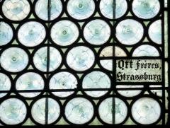 Eglise catholique Saint-Bernard-de-Menthon - Deutsch: Kirche Saint-Bernard de Menthon in Ferrette (Pfirt) im Département Haut-Rhin (Elsass/Frankreich), Bleiglasfenster mit Signatur: Ott frères Strassburg, von 1913