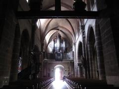 Eglise catholique de l'Invention de la Sainte-Croix - Alsace, Haut-Rhin, Église Sainte-Croix (XIIIe-XVe-XVIe) de Kaysersberg (PA00085477, IA68000563): Vue intérieure de la nef vers la tribune d'orgue.