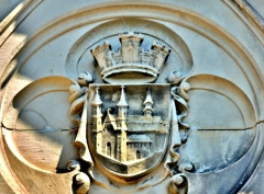 Ancienne abbaye - Français:   Ecusson au-dessus du portail de l\'ancienne abbaye de Masevaux. Haut-Rhin