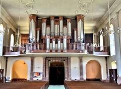 Eglise catholique Saint-Martin - Français:   L\'orgue Alfred Kern (1975), dans l\'église Saint-Martin à Masevaux. Haut-Rhin.