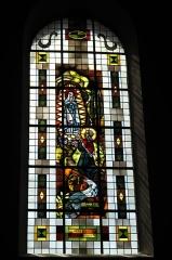 Eglise catholique Saint-Martin - Deutsch: Kirche Saint-Martin in Masevaux im Département Haut-Rhin (Elsass/Frankreich), Bleiglasfenster, Darstellung: Bernadette Soubirous
