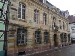 Immeuble - Français:   Mulhouse, immeuble au 44, rue des Franciscains: façade et toiture sur rue inscrites aux MH en 1985