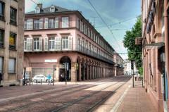 Immeuble bordant le square de la Bourse - Deutsch: Mülhausen, Avenue Foch