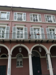 Immeuble bordant le square de la Bourse - Français:   Mulhouse (Haut-Rhin): n° 10, avenue du Maréchal-Joffre, immeuble inscrit aux MH en 1986