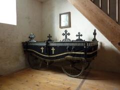 Chapelle Saint-Martin (chapelle du cimetière) - English: Old hearse in Saint-Martin des Champs church, Oltingue, Haut-Rhin, France