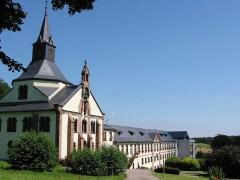 Ancienne abbaye de Pairis -  Maison de retraite et église bâtis sur les ruines de l'abbaye de Pairis à Orbey