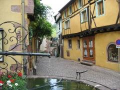 Fontaine de la Sinne - Français:   Riquewihr - Village de caractère - Alsace - France