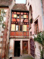 Ancienne maison de la Sage-Femme -  Riquewihr, France  Riquewihr, France