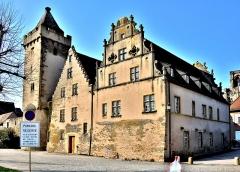 Ancien hôtel de ville - Français:   Ancienne mairie et tour des sorcières, à Rouffach. Haut-Rhin