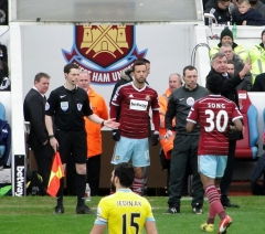 Ancienne maison de l'Oeuvre Notre-Dame - English: West Ham United footballer, Nenê making his debut against Crystal Palace at the Boleyn Ground, February 2015