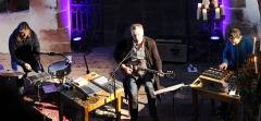 Eglise Saint-Pierre-sur-l'Hâte - Français:   Concert final du festival «C\'est dans la Vallée» 2015 avec Christophe Calpini, Rodolphe Burger et Julien Perraudeau à l\'église de Saint-Pierre-sur-l\'Hâte.