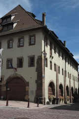 Ancienne halle aux blés - Deutsch: Ehemalige Halle aux blés (Getreidespeicher) in Thann im Département Haut-Rhin (Elsass/Frankreich)
