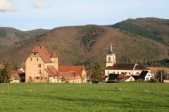 Château - Français:   Château et église de Walbach