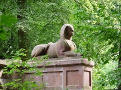 Ancienne orangerie des Hartmann - Français:   Sphinx sculpté par Landolin Ohmacht (Parc de la Fecht, Munster, Haut-Rhin)