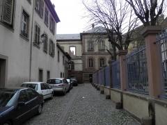 Cour d'Assises - Français:   Impasse Hoffmeister et square Pfeffel à Colmar (Haut-Rhin, France).