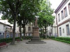 Cour d'Assises - Français:   Square Pfeffel et impasse Hoffmeister à Colmar (Haut-Rhin, France).