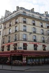 Bar-restaurant Au chien qui fume - Deutsch: Bar-restaurant Au chien qui fume in Paris, 33 rue du Pont-Neuf
