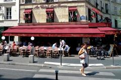 Bar-restaurant Au chien qui fume -  Au chien qui fume, Paris.