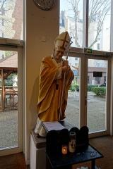 Eglise de l'Assomption ou église polonaise -  Statue of John Paul II @ Église Notre Dame de l'Assomption @ Paris 16