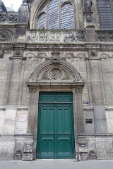 Eglise Saint-Leu-Saint-Gilles - English:   The Église Saint-Leu-Saint-Gilles de Paris is a parish church in the 1st arrondissement of Paris. It has housed the relics of the Empress Saint Helena, mother of Constantine, since 1819, for which it remains a site of veneration in the Roman Catholic and Eastern Orthodox churches. In 1915 the French Ministry of Culture listed it as a monument of historical value.