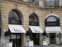 Ancien hôtel Delpech de Chaunot - English: Place Vendome, Dior, Paris, (2)