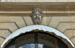 Ancien hôtel Moufle - English: Mascaron at 16 Place Vendôme,
