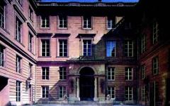 Ancien hôtel Saint-Florentin, puis hôtel de Talleyrand, actuellement consulat des Etats-Unis - English:   Hôtel de Saint-Florentin (also known as Hôtel de Talleyrand-Périgord), 2 rue Saint-Florentin, Paris.