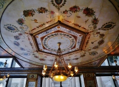 Immeuble en bordure du Palais-Royal, restaurant Le Grand Véfour - Deutsch: Decke des Restaurants Grand Véfour im Palais Royal, Paris, Region Île-de-France, Frankreich