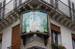 Immeuble - Deutsch: Schild Au beau cygne in der Rue Saint-Denis n° 127 im 1. Arrondissement in Paris (Île-de-France/Frankreich)
