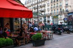 Métropolitain, station Etienne-Marcel -  Cafés Étienne, Paris.