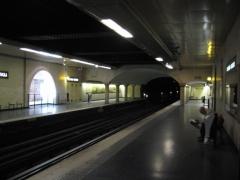 Métropolitain, station Louvre -  Louvre-Rivoli - Crypte  Paris line 1 station extension.