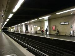 Métropolitain, station Louvre -  La station Louvre-Rivoli, Paris.